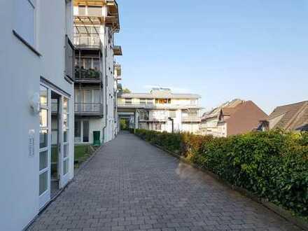 Interessante Kapitalanlage: Moderne, vermietete 2-Zi.-DG-Wohnung mit TG-SP - 10% Rendite