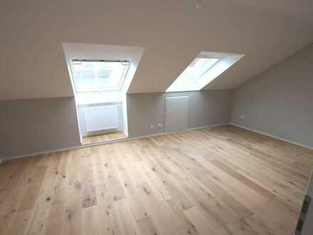 Wunderschöne Dachgeschosswohnung - Erstbezug nach Sanierung