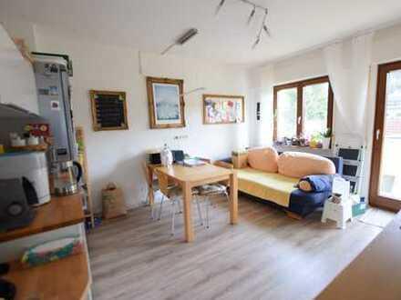 Schön geschnittene, helle 3 Zimmerwohnung mit Balkon