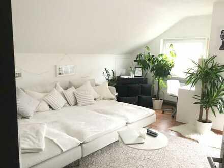 Helle, sehr schöne 2 ZKB Wohnung in Dielheim