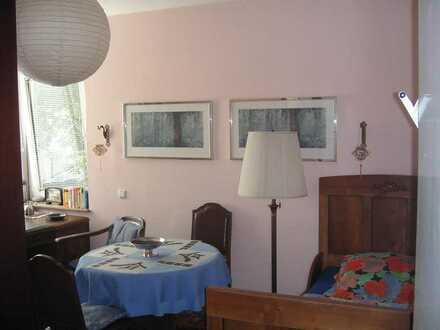 Ab sofort, Bonn, Villenviertel, hochwertig-möbliertes Zimmer mit Bad