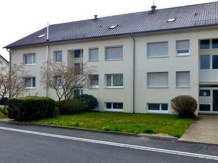 freie Wohnung in modernisiertem Haus nahe Schaffhausen