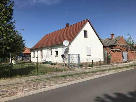 Gemütliches Einfamilienhaus mit Garten und viel Nebengelass