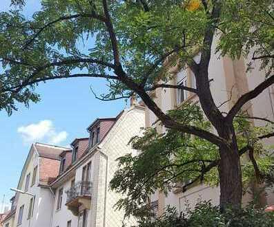 Attraktive 5-Zimmer Wohnung mit 2 Balkonen in Karlsruhe