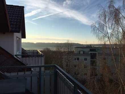 Gepflegte 2,5-Zimmer-Dachgeschosswohnung mit Balkon und Einbauküche in Nattheim