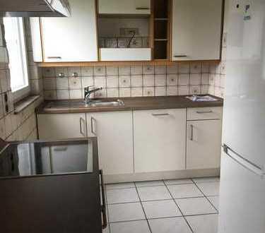 Erstbezug nach Sanierung mit Einbauküche und Balkon: attraktive 5-Zimmer-Wohnung in Zündorf, Köln