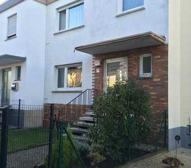 Schönes Reihenhaus mit sechs Zimmern in Egelsbach, ideal für Familien, PROVISIONSFREI