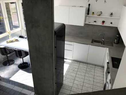 Schöne vollständig renovierte 2,5-Zimmer-Maisonette-Wohnung in Karlsruhe, Weststadt