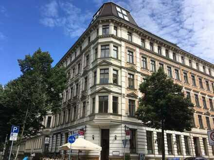 Super Wohnlage! Balkon! Erker! Mit Parkett! 4-Raumwohnung! Waldstraßenviertel!