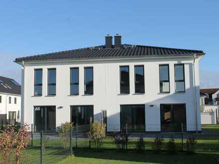 Zwei neue, großzügige Doppelhaushälften in Dallgow-Döberitz zum sofortigen Einzug