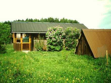 Idyllisches Ferienhaus mit 1.300 qm Gartengrundstück in 93464 Tiefenbach-Katzelsried