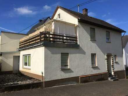 Gemütliches Einfamilienhaus mit Balkon und Garage sucht neue(n) Eigentümer