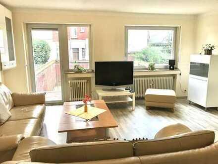 Helle, lichtdurchflutete möblierte 3 Zimmer-Wohnung mit Balkon im Zentrum von Mönchengladbach