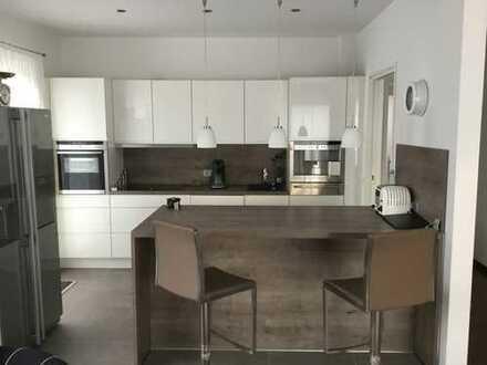 1.250 €, 138 m², 3 Zimmer