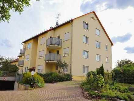 +++ 2-Zimmer-Wohnung mit großzügigem Balkon und Dachboden/Hobbyraum +++