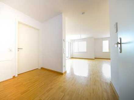 Perfekt aufgteilet Zweiraumwohnung mit Einbauküche und Loggia