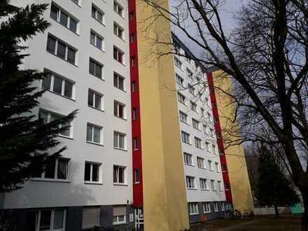 ++ Moderne 3-Zimmer-Wohnung mit ca. 81 m² und West-Loggia, direkt am Ostpark