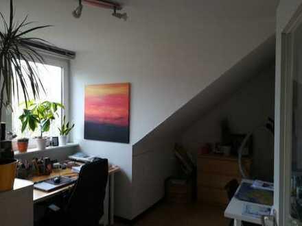 Gepflegte 3-Zimmer-DG-Wohnung mit Einbauküche in Bochum