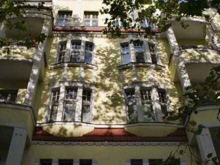 Schöne Dachgeschosswohnung im beliebten Kiez! Berlin-Charlottenburg! EBK, Terrasse