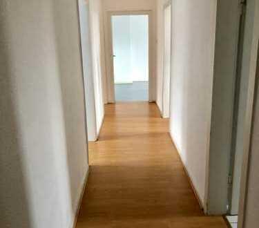 Großzügig Wohnen! 3 Raum Wohnung in ruhiger Ostviertel-Lage!