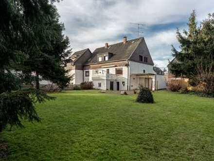 Charmante Doppelhaushäfte mit traumhaftem Garten in Essen-Borbeck