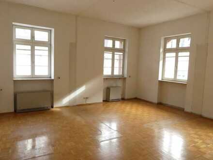 großzügige 2 Zimmer - im Herzen von Durlach - 2 Tiefgaragenstellplätze