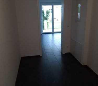 Neuwertige 3,5 Zimmer UND 2,5-Zimmer-Wohnung mit Balkon und EBK in Straubing