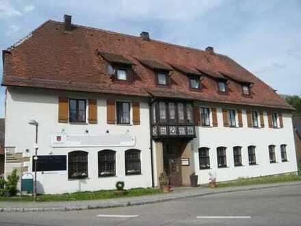 Große Gaststätte mit Fremdenzimmern in 74545 Michelfeld
