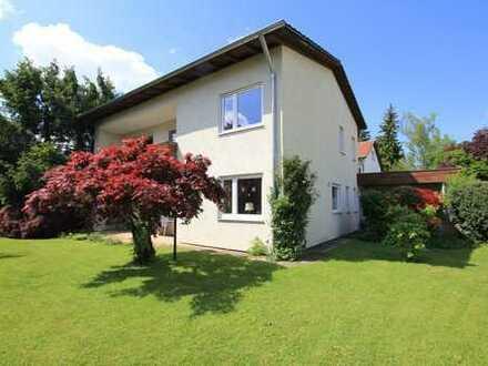 Familienfreundliches Einfamilienhaus mit großem Garten in bevorzugter Wohnlage in Traunreut!