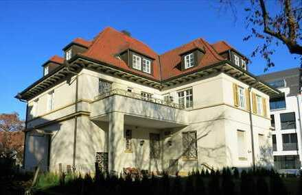 TOP-Lage in Sindelfingen, Penthouse Duplex Südseite, 9 stilvolle Zimmer, hochwertige Bäder, WC, EBK