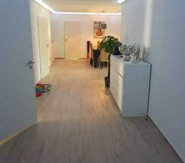 4 Zimmer Erdgeschoss-Wohnung, ca 150 m² mit Terrasse