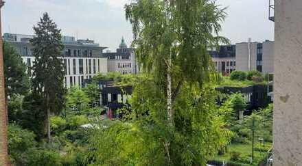 sehr helle ruhige Wohnung in Bahnhofsnähe, 2ZKB Balkon