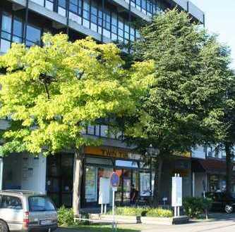 Separates Büro/Praxis ca.23 qm(bzw.30 qm) in Bürogemeinschaft in zentraler Lage