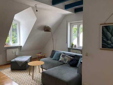 Geschmackvolle DG-Wohnung mit fünf Räumen im Zentrum von Freising (Kreis)