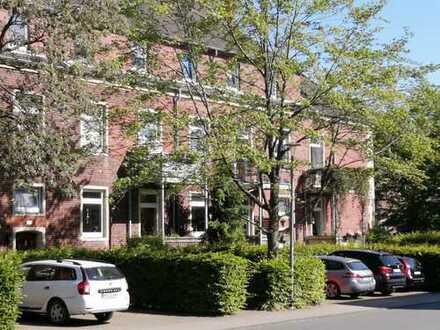 Schicke Altbauwohnung mit Balkon und PKW-Stellplatz in Münster/ Mauritz-Ost