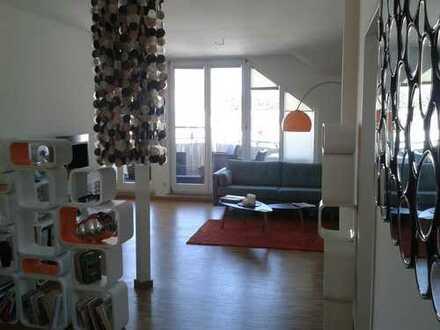 Schöne sonnige Dachgeschoss-Wohnung mit großer Terrasse in Berlin-Grünau (Köpenick)
