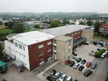 Kernsanierte Gewerbeeinheit mit flexibel nutzbaren Produktions-, Lager- und Büroflächen