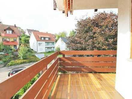 Sehr Gepflegte Wohnung mit Balkon und Tiefgaragenstellplatz