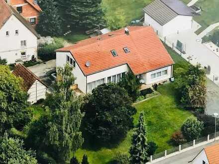 Freundliche, vollständig renovierte 3-Zimmer-DG-Wohnung zur Miete in Schwendi