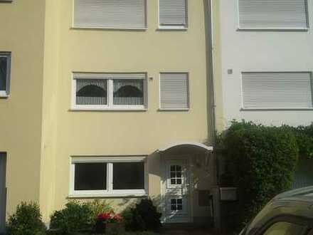 Reihenhaus mit fünf Zimmern in Dresden, Leubnitz-Neuostra