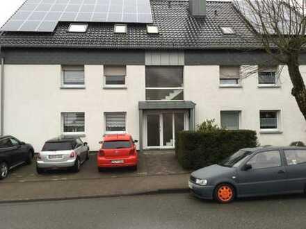 Sanierte 2-Zimmer-DG-Wohnung mit verglasten Balkon in Breckerfeld