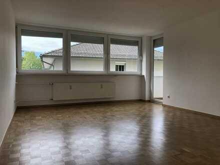 Dachau - 4 Zimmer Wohnung mit Balkon im 2. Obergeschoss