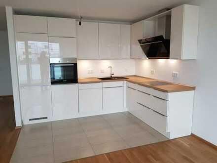 Erstbezug: 3-Zimmer-Wohnung mit Hochglanz-Einbauküche und Balkon - direkt vom Eigentümer