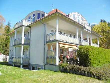 Bild_Wohnen im Grünen! Schöne 1-Zimmer-Wohnung mit Einbauküche, Balkon und Pkw-Stellplatz