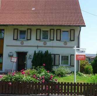 Renovierungsbedürftige Doppelhaushälfte mit Ausbaureserve sucht Handwerker bei Bad Wurzach