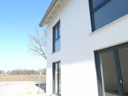 Neubau/Erstbezug super helle 3-Zi-Wohnung mit großem Balkon in Dachau-Süd