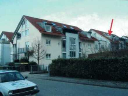 Gepflegte 3-Zimmer-Dachgeschosswohnung mit Balkon und EBK in Bühl
