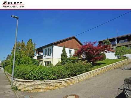 Viel Platz für die Familie: Attraktives Ein- / Zweifamilienhaus in bevorzugter Lage mit Doppelgarage
