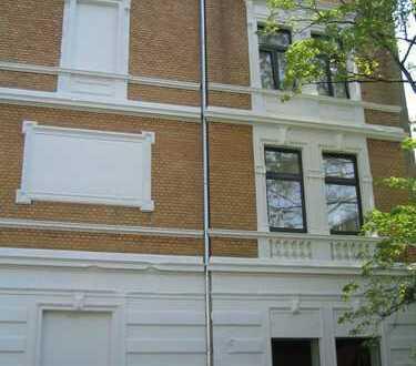 von privat: 4-Zimmer-Wohnung mit großer Dachterasse in Siegburg-Zentrum incl. Stellplatz