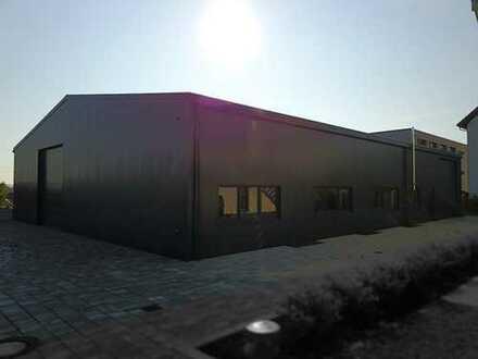 Neue Halle zur anteiligen Nutzung (bei Bedarf mit Büro, Hebebühne, WC)